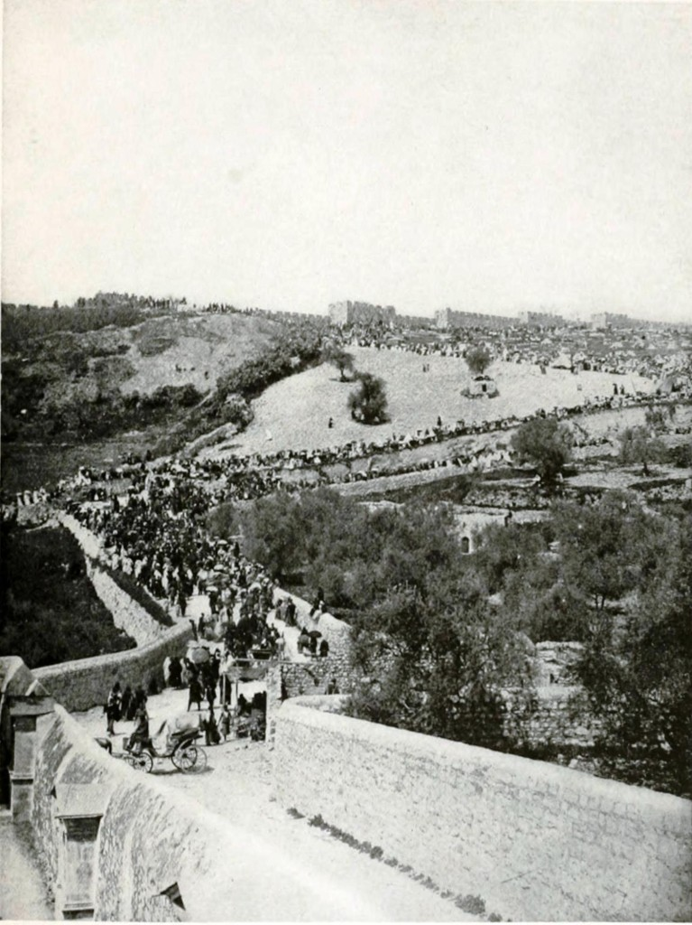 Easter Pilgrims to Jerusalem, view from the east to west 1910.
